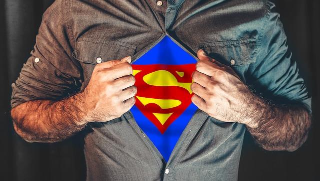 superhrdina v košili