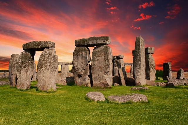 stonehenge v Británii