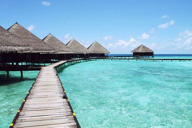 průzračné moře v Karibiku